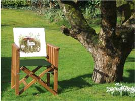 Folding garden chairs with printed field mushroom back panel